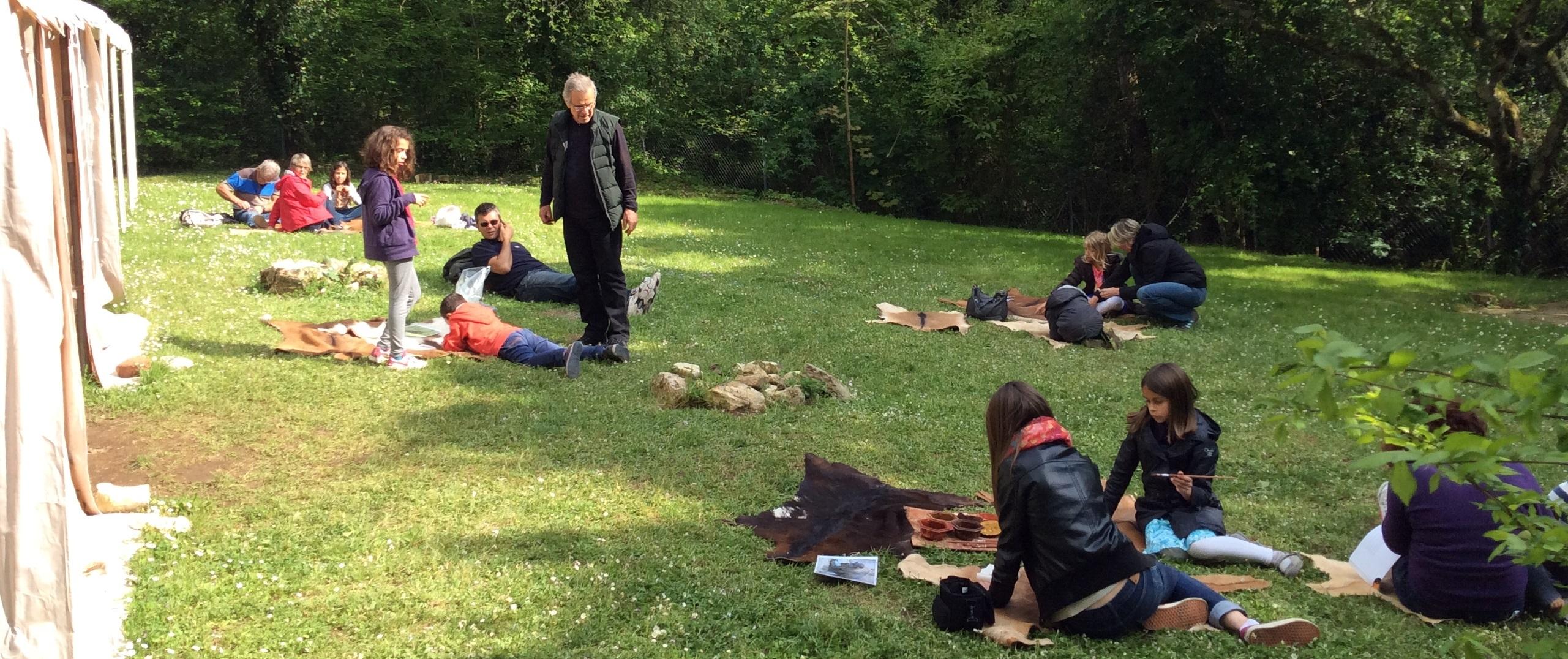 Juillet & Août 2019 : atelier parure préhistorique
